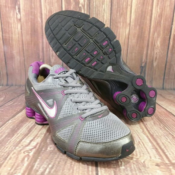 9e1bf36e1bd1f5 NIKE Shox + Plus Reveal 5 Purple Gray shoes sz 7.5.  M 5a63c29bd39ca2f0a599d8bf